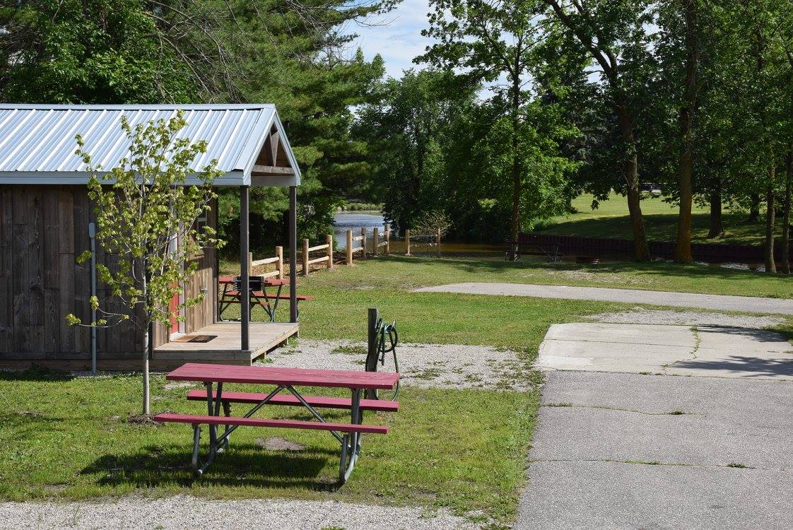 Campground Cabins for rent daily and weekly